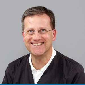 Zahnarzt Prof. Dr. Claus-Peter Ernst - Medi+ Zahnärztliche Praxisklinik