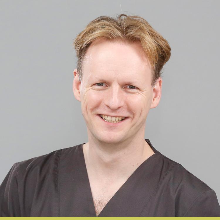 Arzt und Zahnarzt Prof. Dr. Dr. Christian Walter - Medi+ MKG Praxisklinik