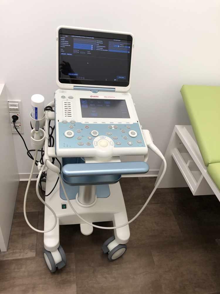 Ultraschall der neuesten Generation - medi+ zahnärztliche Praxisklinik, MKG-Chirurgie