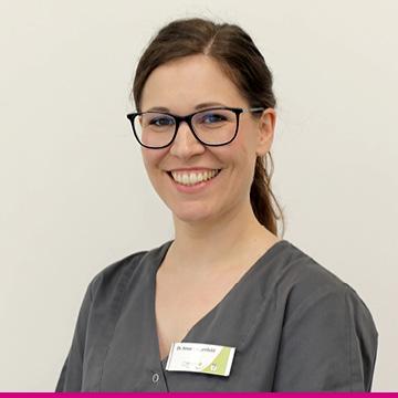 Portrait Dr. Anna Langenfeld - Kinderzahnärztin bei medi+ in Mainz